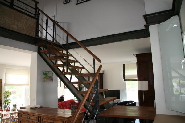 Escalier bois métal maison